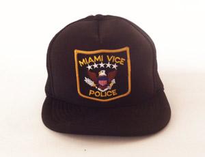 Un cadeau de la Police monégasque aux mains en Suède, qui résume le tout: André MUHLBERGER, à découvert en Floride: Police, vice et Miami.